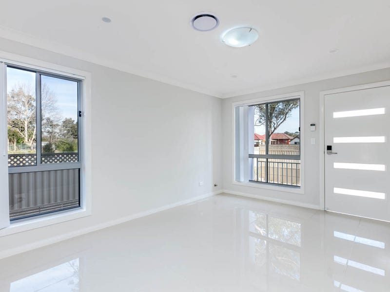 8 Amritsar Glade Schofields Nsw 2762 Townhouse For