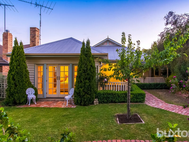39 Girton Crescent, Manifold Heights, Vic 3218