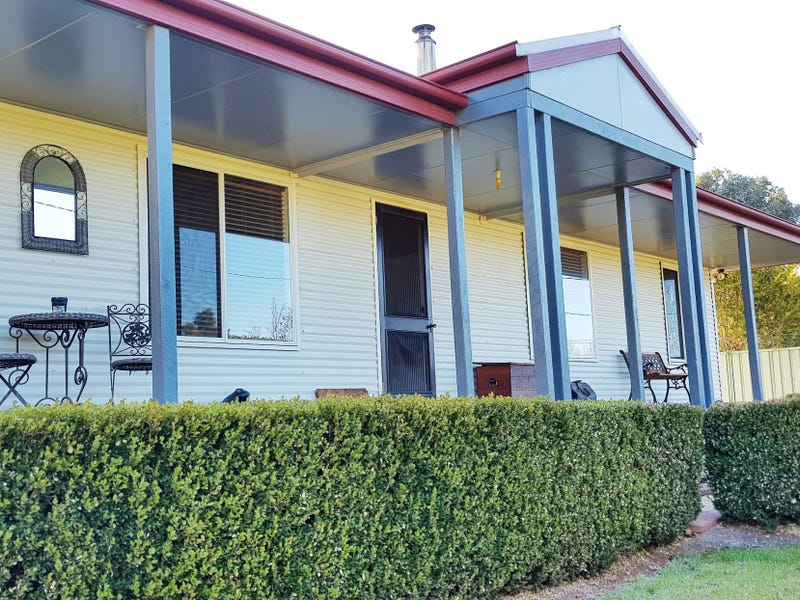 7 Moore Street, Hillston, NSW 2675