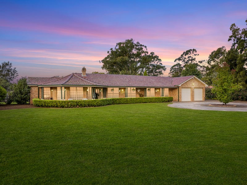 18 Norma Cl, Bargo, NSW 2574