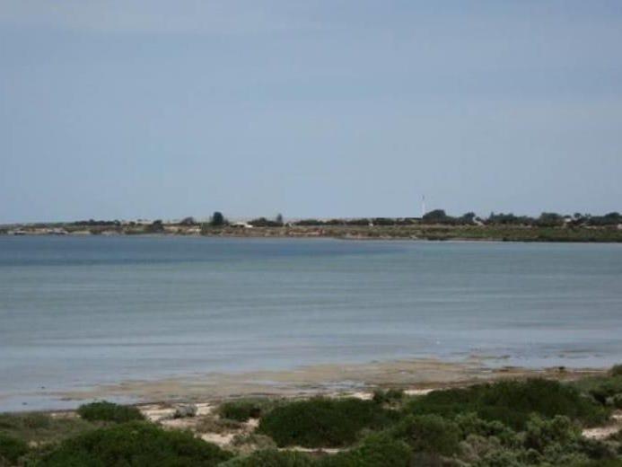 70A Decres Bay Rd, Ceduna, SA 5690