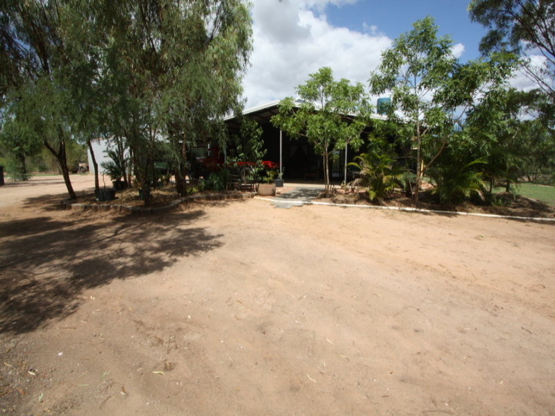 124 Picnic Creek Road, Broughton, Qld 4820