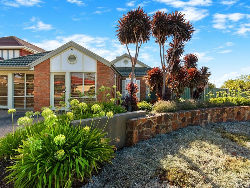 1 Strathaird Drive, Narre Warren South, Vic 3805