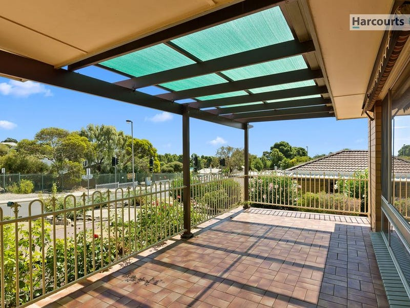 4 Gretel Crescent, Hallett Cove, SA 5158