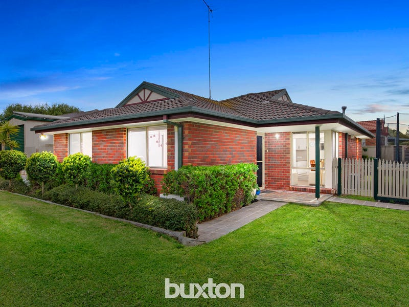 11 Chenin Mews, Waurn Ponds, Vic 3216