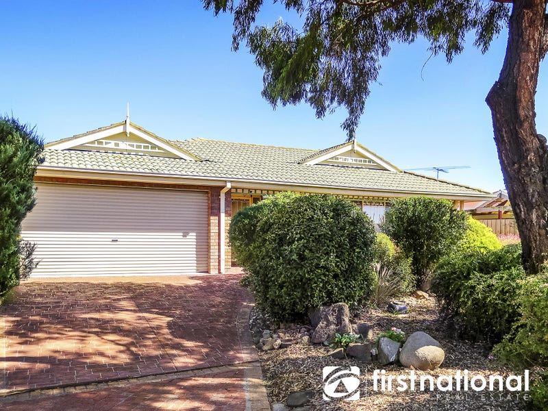 43 Thomas Place, Pakenham, Vic 3810