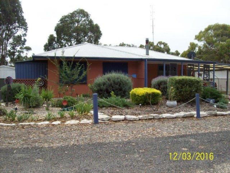 13 Emu Springs Road, Tintinara, SA 5266
