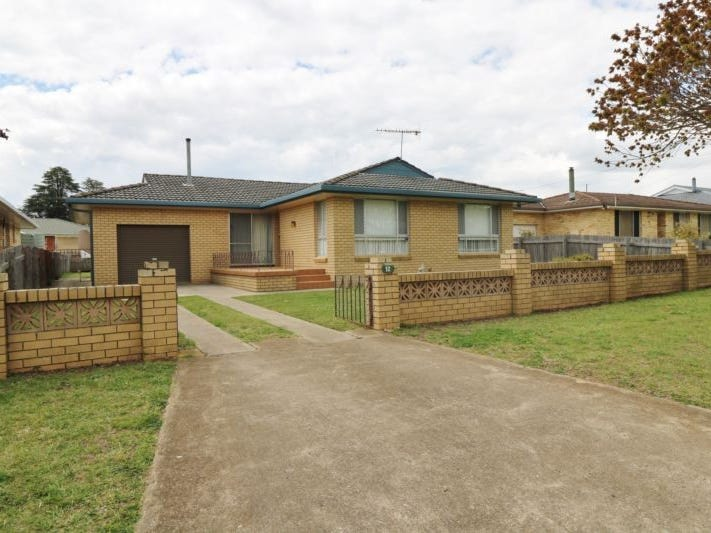 12 Lindsay Avenue, Glen Innes, NSW 2370
