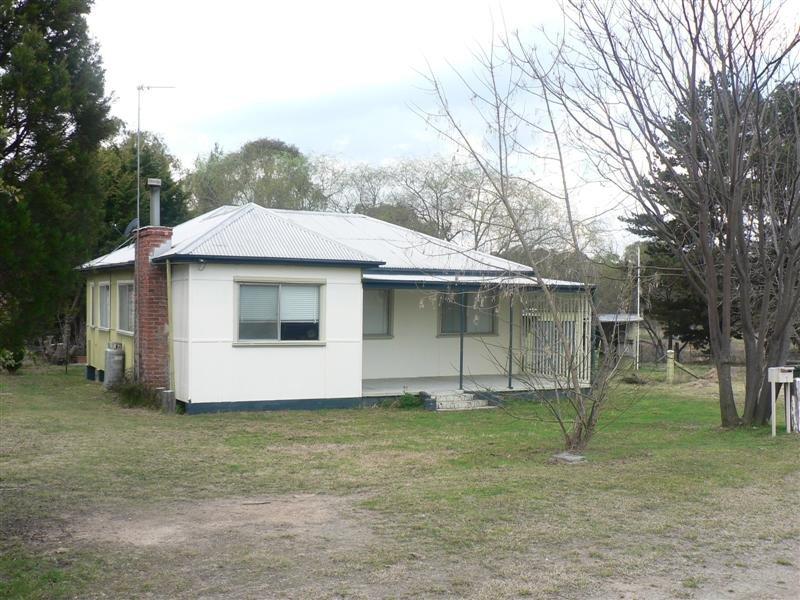 1 Ballandean Street, Jennings, NSW 4383
