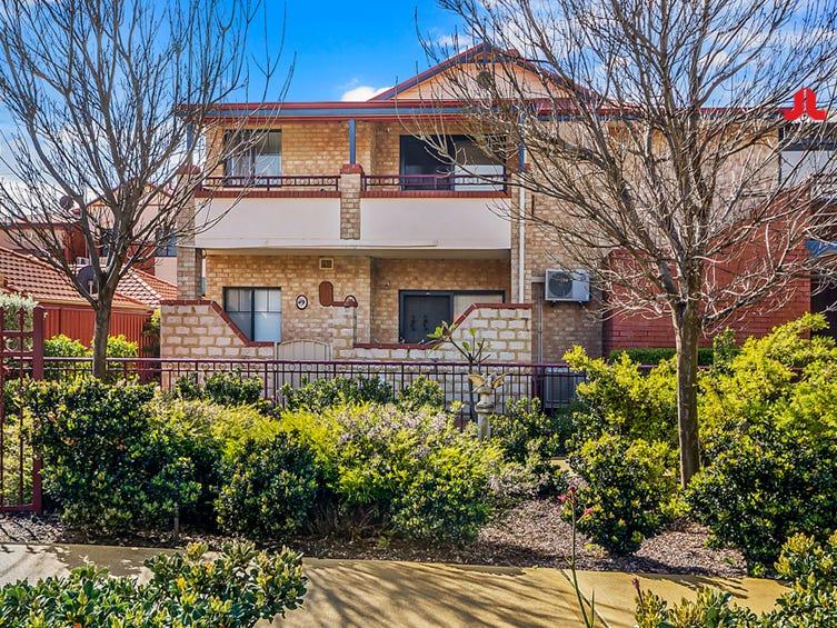 Apartment 32  50 Woodlake Retreat, Kingsley
