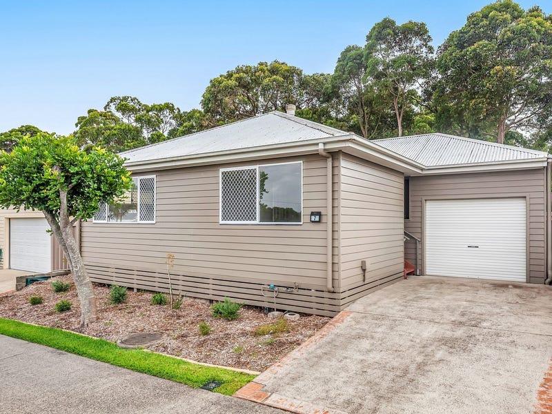 7/2 Saliena Avenue, Lake Munmorah, NSW 2259