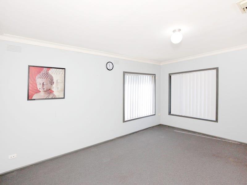 13 Ziegler Avenue, Kooringal, NSW 2650