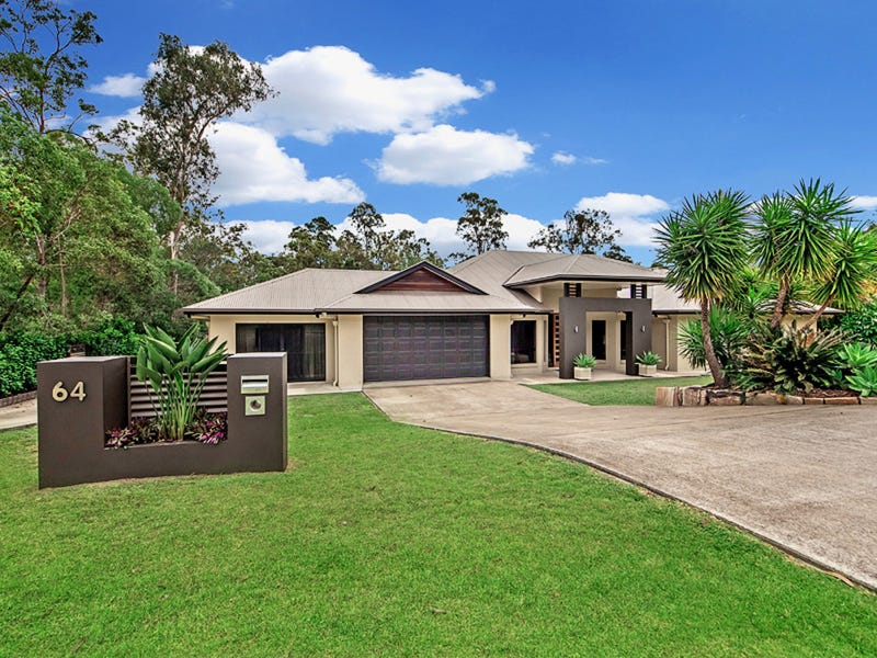 64 Cabernet Crescent, Pine Mountain