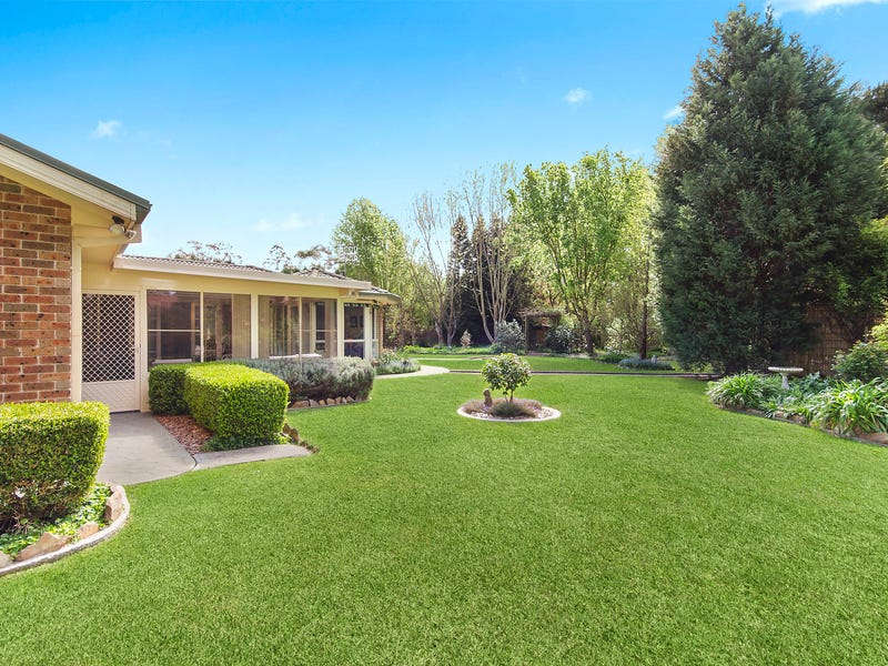 11 Cypress Parade, Bowral, NSW 2576