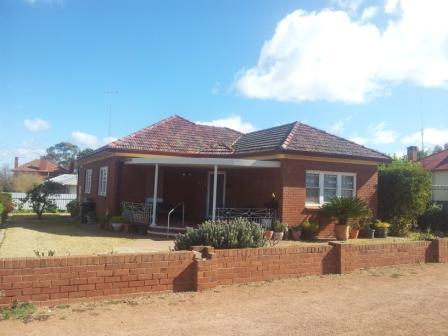80 Euchie st, Peak Hill, NSW 2869