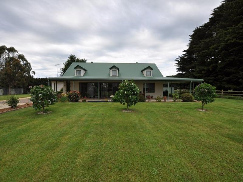 1918 Cobden-Lavers Hill Road, Simpson, Vic 3266
