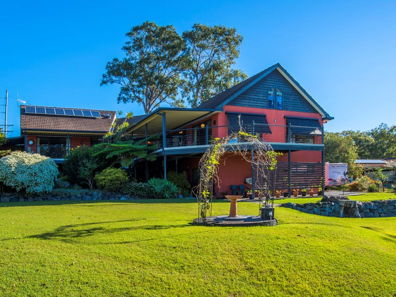 2 Anselmo Close, Emerald Beach, NSW 2456