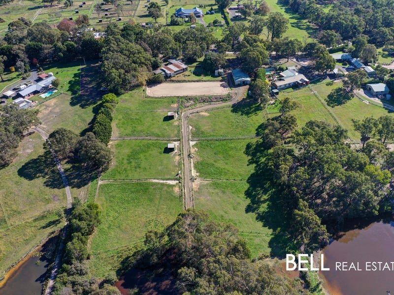 12 Coopers Road, Macclesfield, Vic 3782