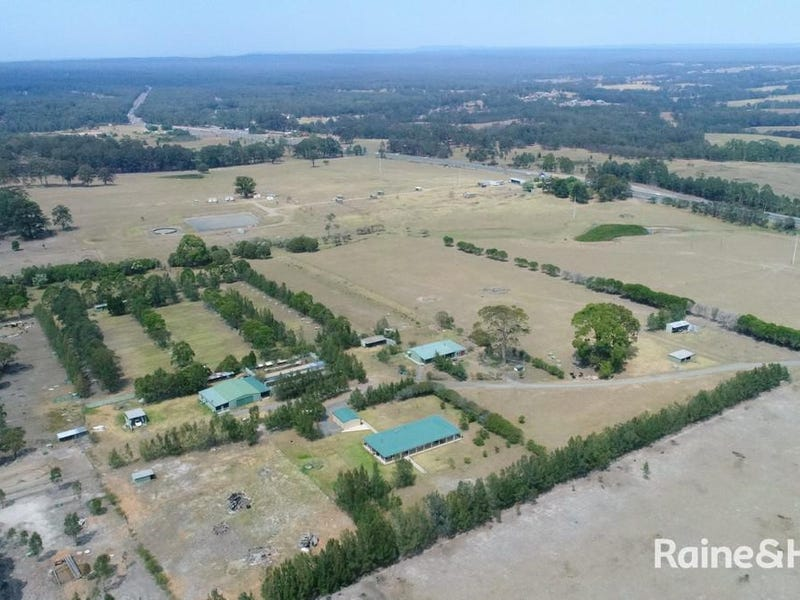 4 Forest Road, Comberton, NSW 2540