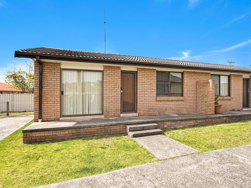 2/1 Gipps Crescent, Barrack Heights, NSW 2528
