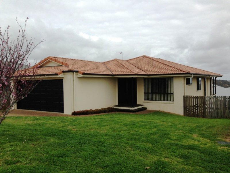5 Dodson Cresent, Mount Kynoch, Qld 4350