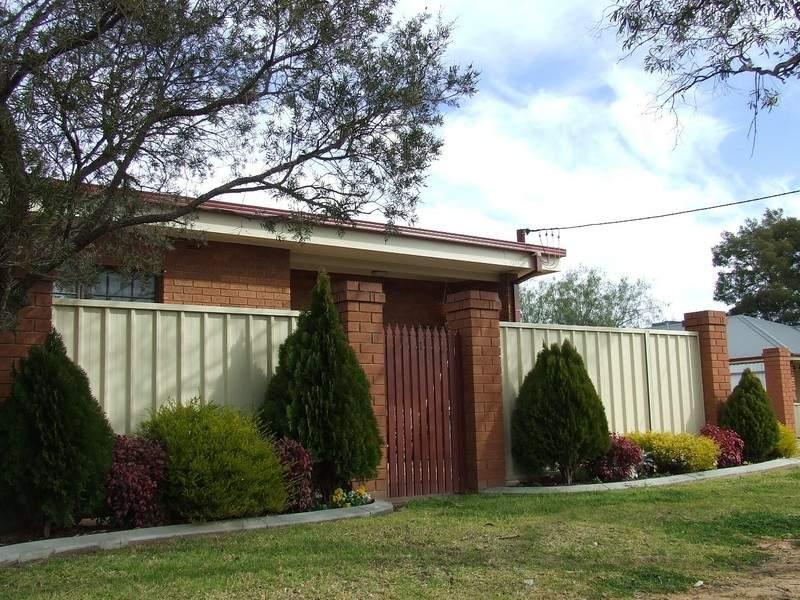 Unit 2, 42 Inglis Street, Lake Albert, NSW 2650