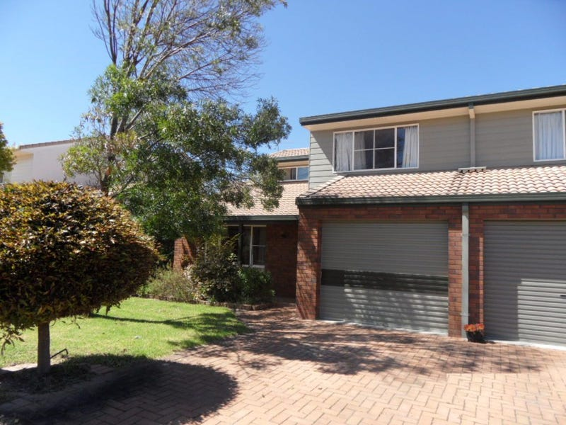 4  32 marsh street  stanthorpe  qld 4380 - unit for sale