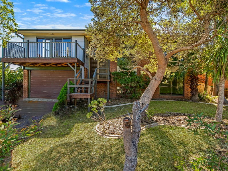 26 Blue Bell Drive, Wamberal, NSW 2260