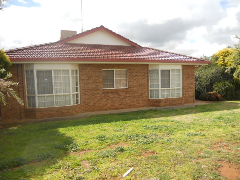 Unit 1,21 Ebelina Crescent, Parkes, NSW 2870