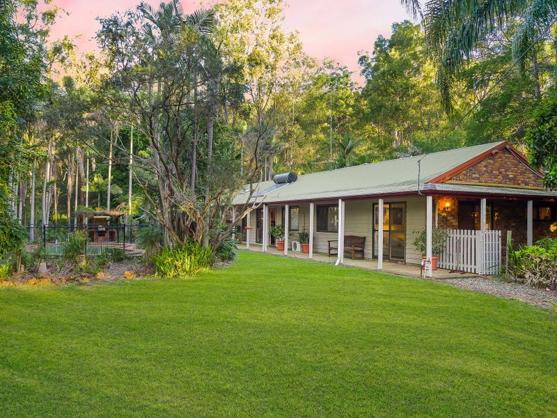 56 McLean Road, Camp Mountain, Qld 4520
