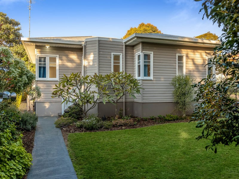 156 Ruthven Street, North Toowoomba, Qld 4350