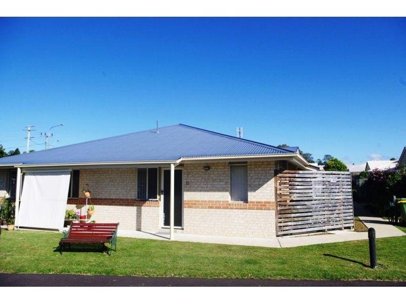 Unit 31 & 32 Oxford Crest, Southside, Qld 4570