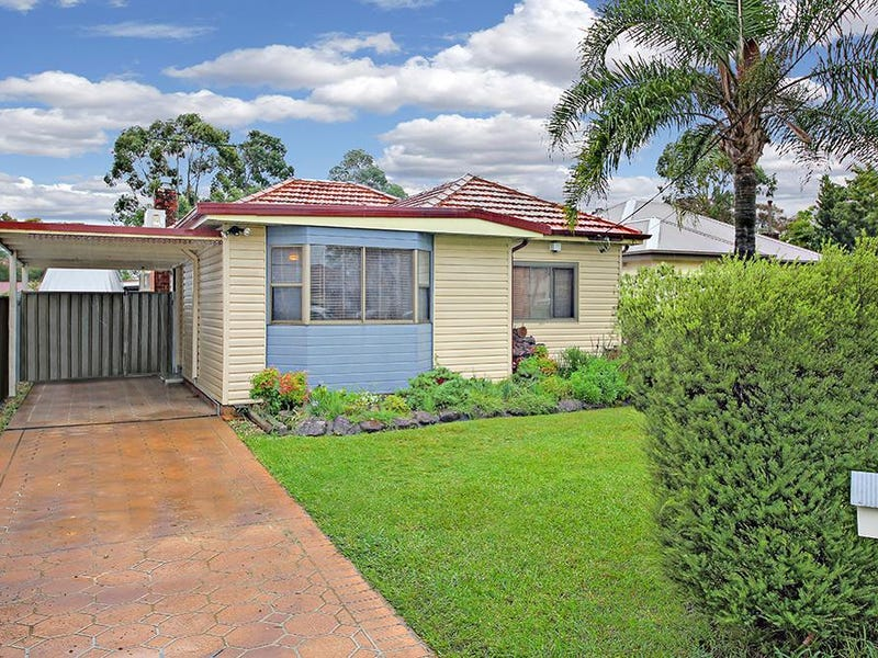 60 Park Road, East Hills, NSW 2213