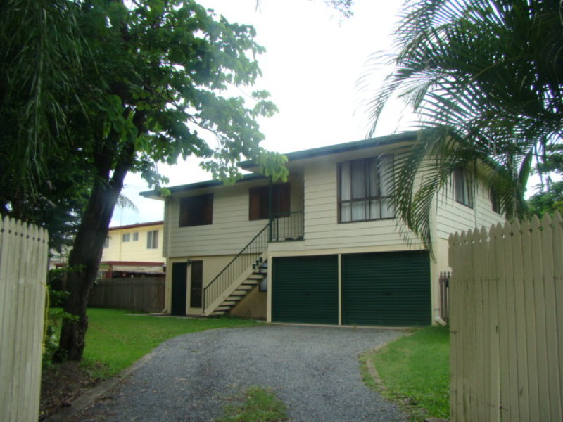 220 Hennessy Street, Koongal, Qld 4701