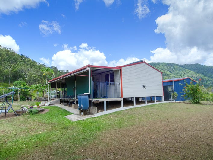 547 Middle Creek Road, Sarina, Qld 4737