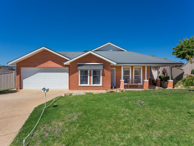 4 Fisher Place, Lloyd, NSW 2650