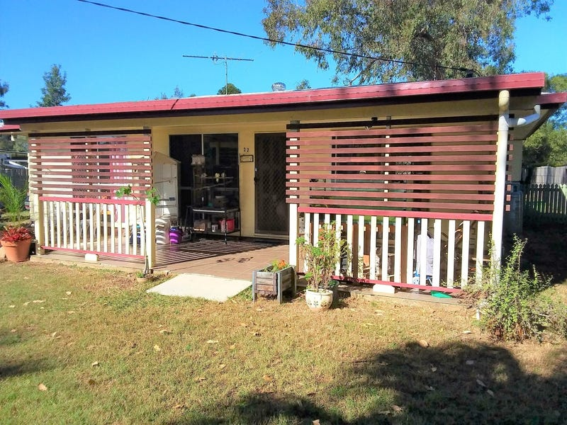 22 Calvin Street, Walloon, Qld 4306