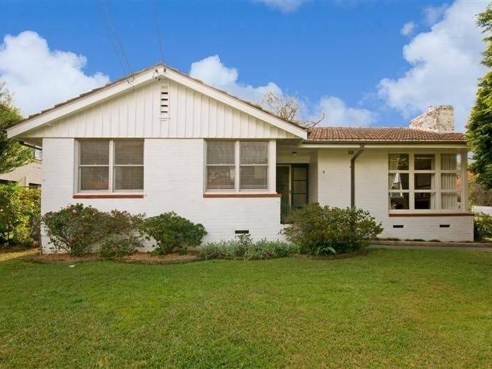8 Richmond Street, Denistone East, NSW 2112