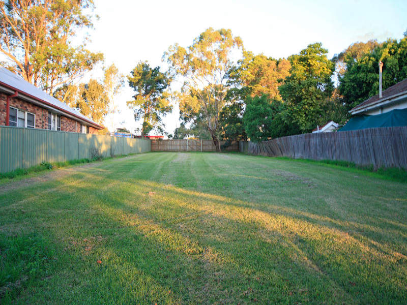 40 Roseberry St, Heathcote, NSW 2233