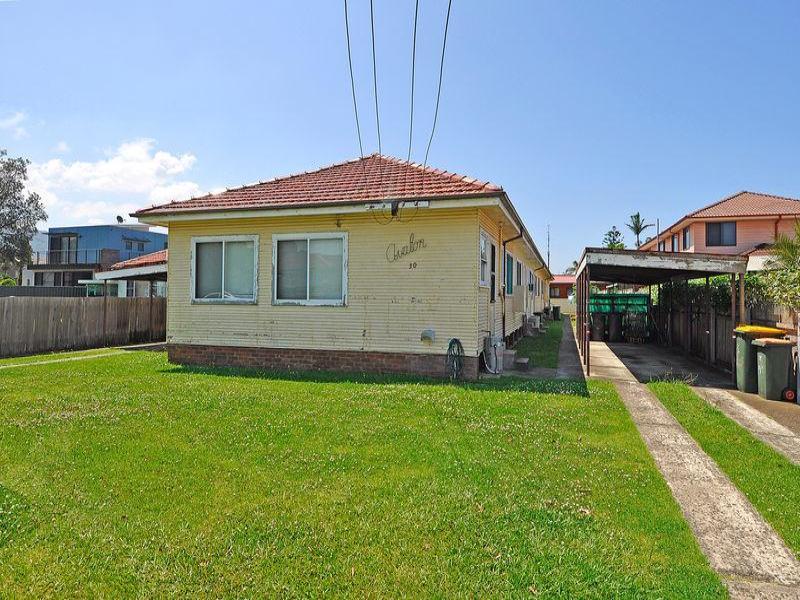 30 Lake  Pde, East Corrimal, NSW 2518