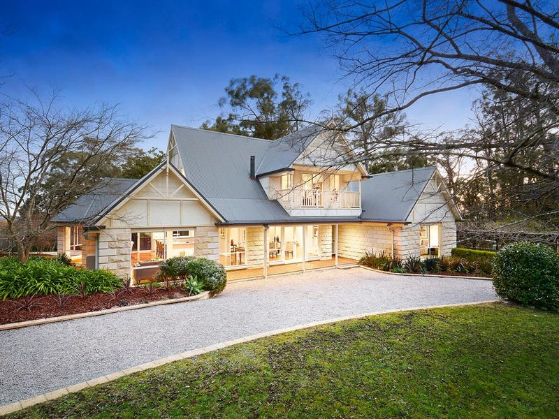 96 Beaconsfield Emerald Road, Emerald, Vic 3782
