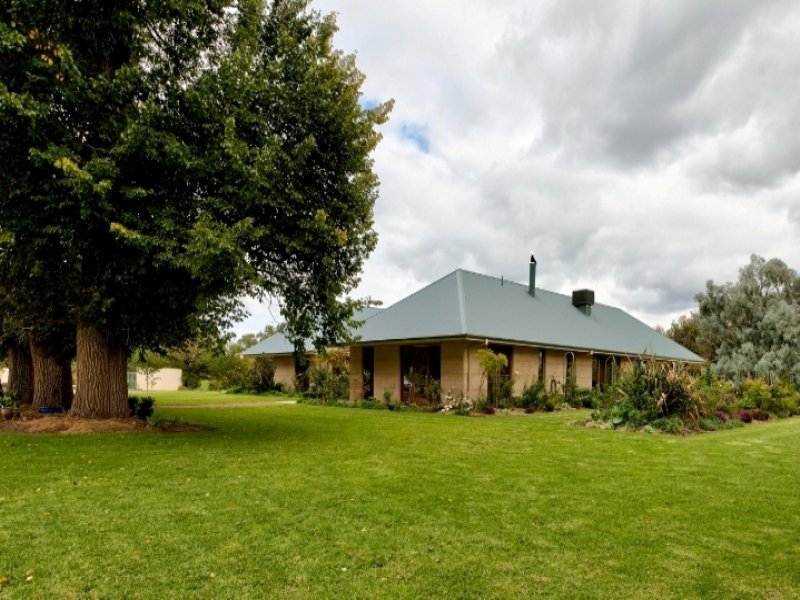 1367 Mountain Creek Road, Mountain Creek, NSW 2644
