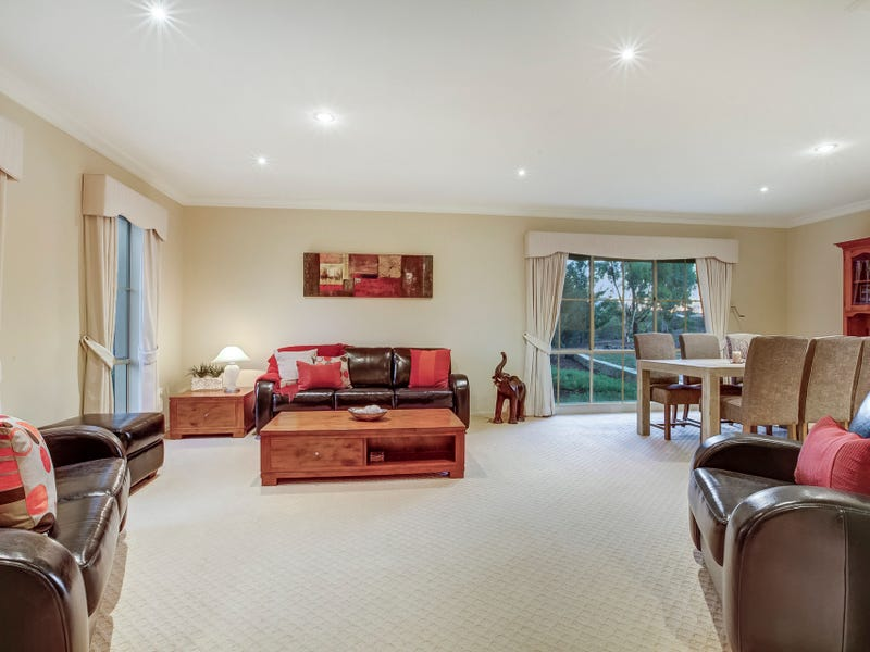 10 The Grove, Hillside, Vic 3037
