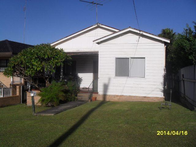 1A HURT STREET, West Wollongong