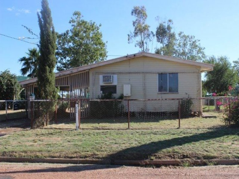 52 King, Cunnamulla, Qld 4490