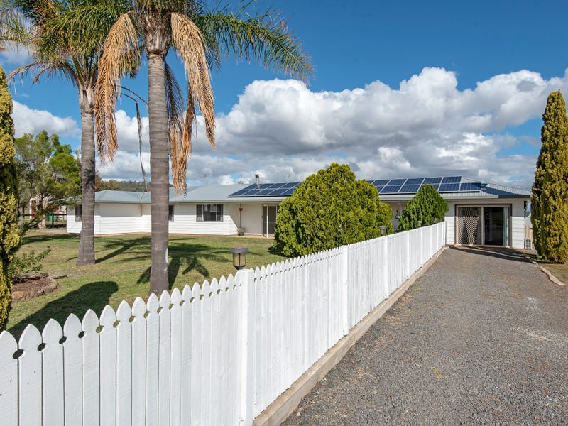 42 Moller Road, East Greenmount, Qld 4359