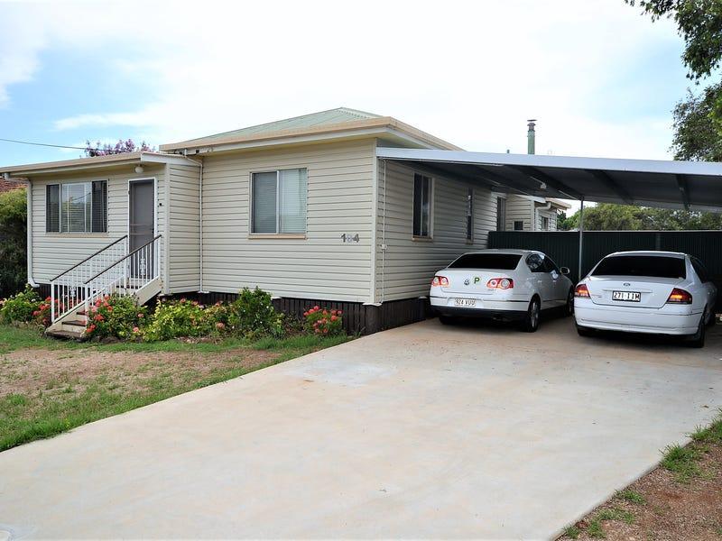 104 Water Street, South Toowoomba