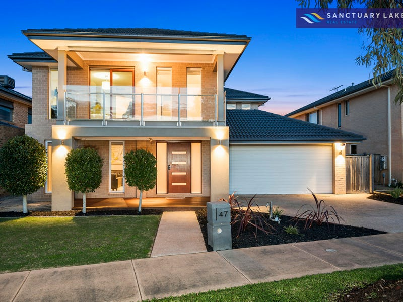 47 Monterey Bay Drive, Sanctuary Lakes, Vic 3030