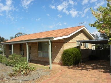 1 Pineview Circuit, Young, NSW 2594