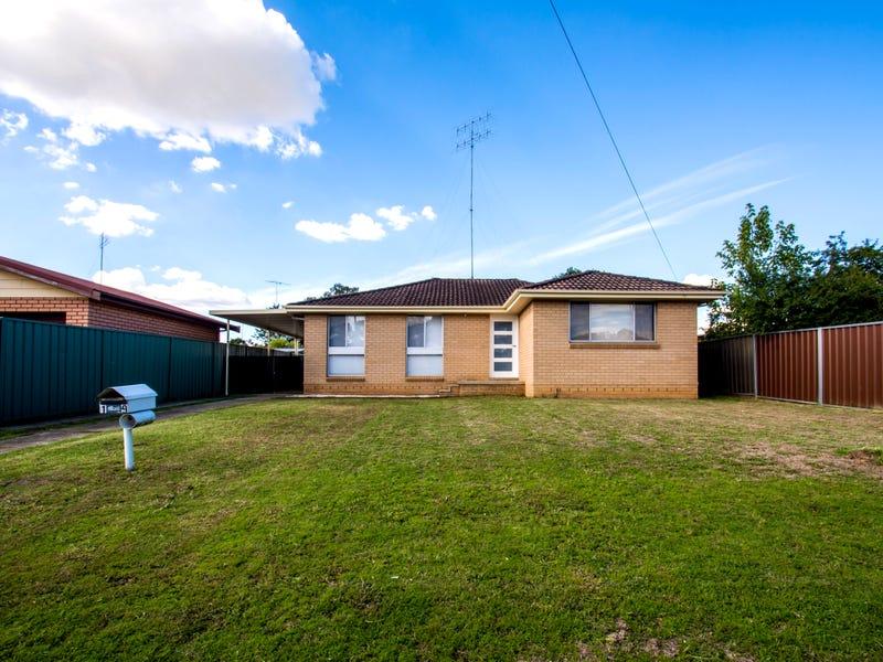 19 Lyn Circuit, Jamisontown, NSW 2750